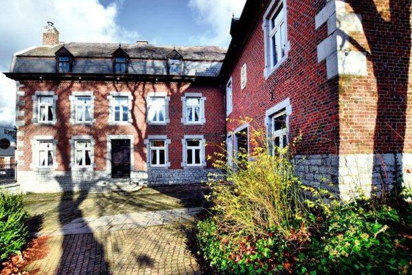 Chateau-ferme Delhaise in Mesnil - Ardennen - België - 25 personen