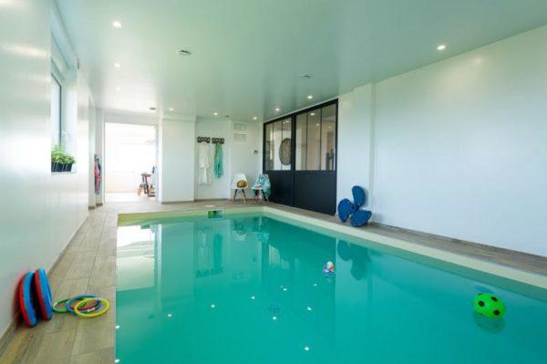 Huis Neptune in Brignogan Plage - Bretagne - Frankrijk - 12 personen - binnenzwembad