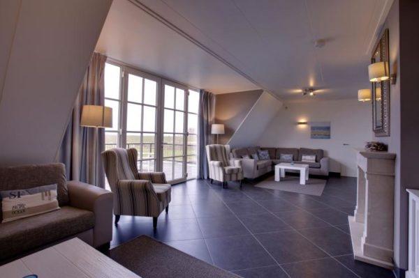 Luxe Beveland in Colijnsplaat - Zeeland - Nederland - 12 personen - woonkamer