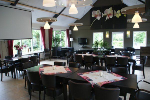 Luxe groepsaccommodatie in Elsloo - Friesland - Nederland - 30 personen - zitruimte