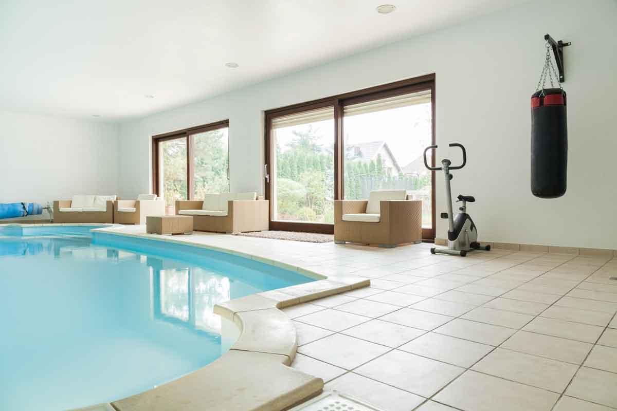 vakantiehuis overdekt binnen zwembad