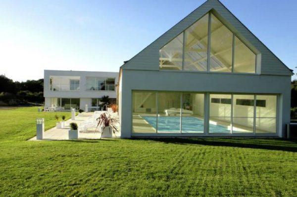 Villa Caroline in Magoar - Bretagne - Frankrijk - 14 personen - luxe binnenzwembad