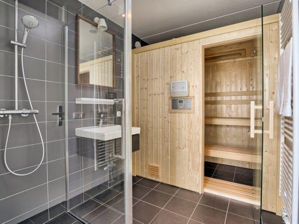 Watervilla 8LZ in Midlaren - Drenthe - Nederland - 8 personen - badkamer met sauna