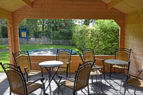 Wellnesshuis in Gasselternijveen - Drenthe - Nederland - 18 personen - tuin overkapping